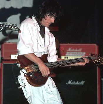 Tom Petersson Alembic 8-string bass 1980