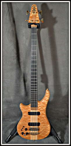 Lefty bass 01