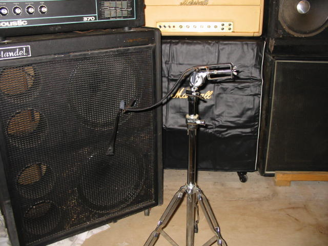 Gracie guitar stand