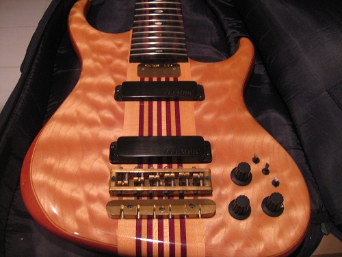 Bass body front