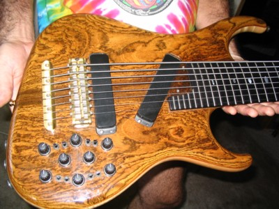 close up of 8-string custom bocate europa