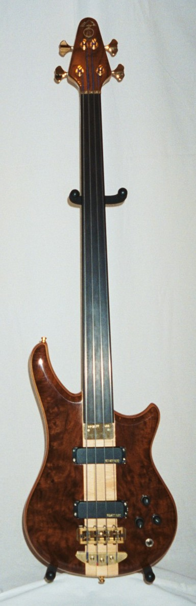 Fretless 4 Walnut