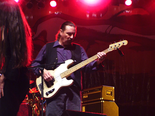 Jeff Onstage at BajaProg 2004 w HH Bass
