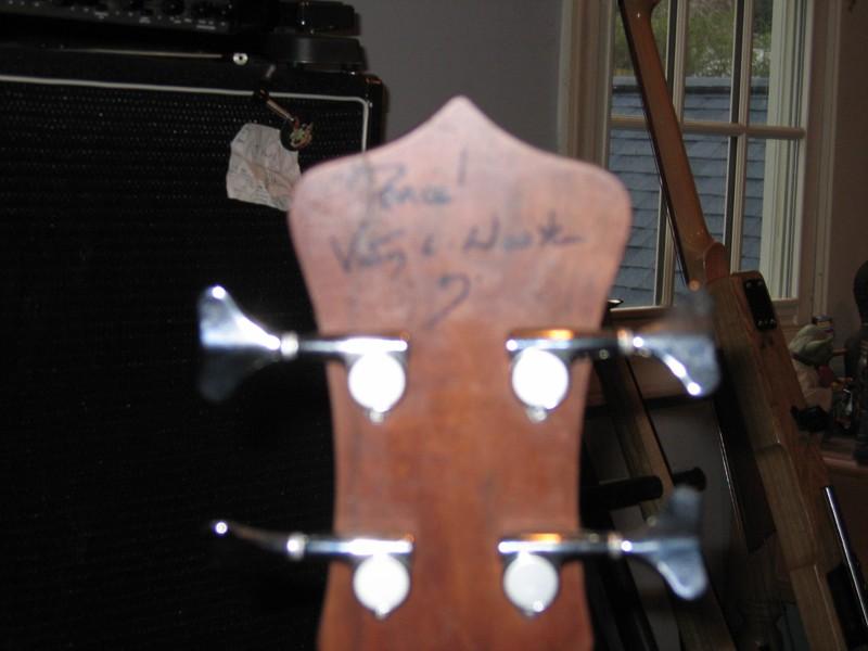 vic's signature