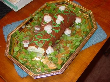 "Buche de Noel with meringue ""mushrooms"""