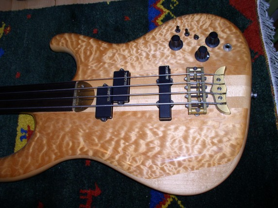 Fretless Elan