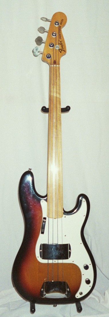 Sunburst fretless P-Bass