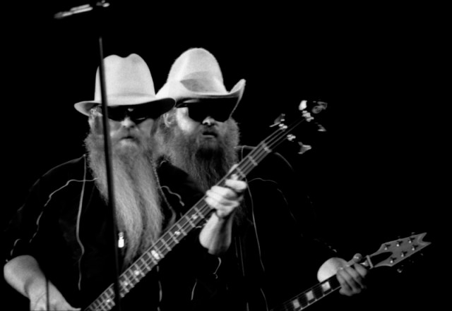 Dusty Hill playing an Alembic