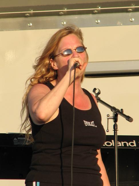 Lori Singing